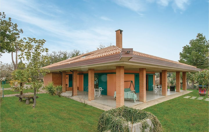 Holiday cottage with 3 bedrooms on 250m² in Gradara