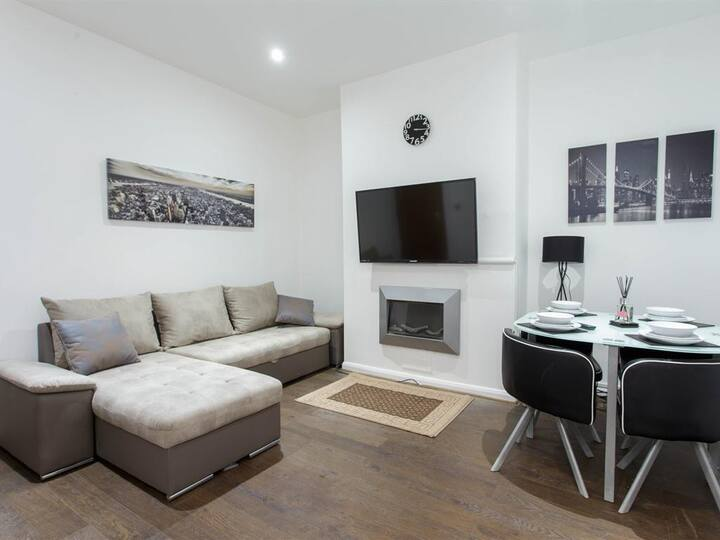 Apartment - 1 Mile from Leeds Central- Park House