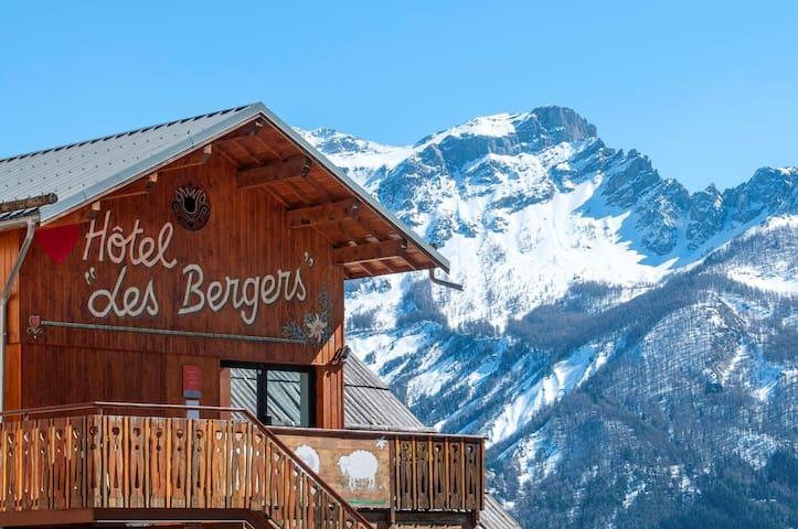 Studio de Montagne Cosy | 250m des Commerces + Remontée Mécanique!