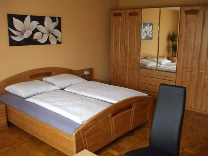 Hotel Seerose GmbH, (Lindau am Bodensee), Appartement mit 90 qm, 2 Schlafräume, max. 6 Personen