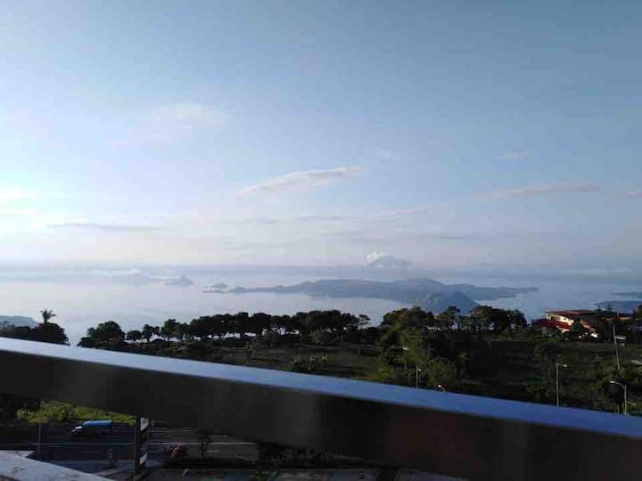 Wind Residences Taal View W/Balcony  NETFLIX