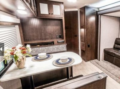 Luxury RV on site at The Oaks at High Hill Estate