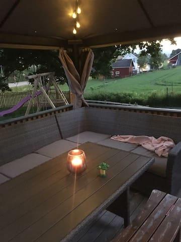 Sentralt hus-Telemark: kort vei til sommerland Bø