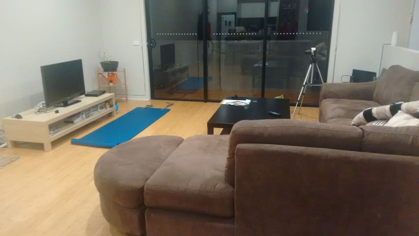 Modern, big and cosy room in Brighton East - Brighton East - House