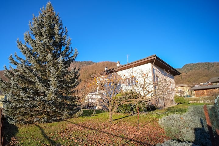 Villa Lavanda, with private garden, ground floor