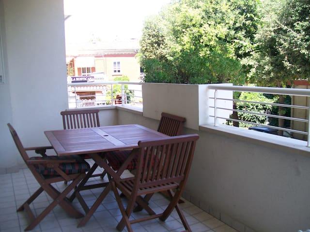 ACCOGLIENTE-COMODO vicino la spiaggia - Rimini - Haus
