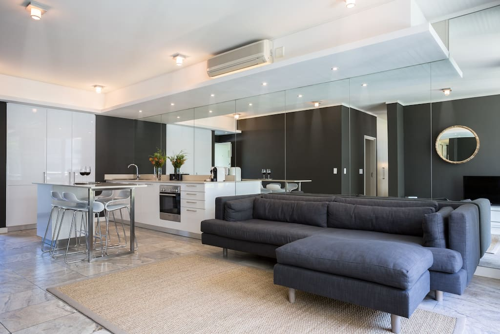 Beautifully appointed designer apartment with spacious living space and magical canal outlook