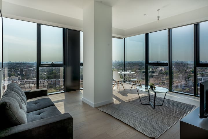 Stunning Apartment with Amazing Views (HH0)