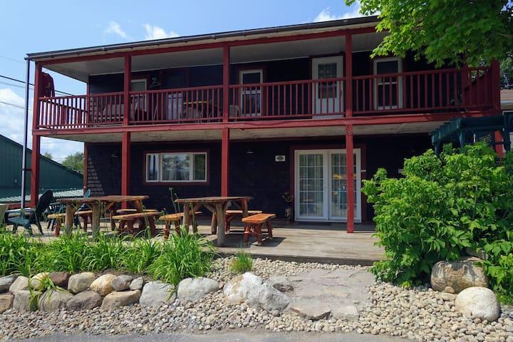 High Peaks Basecamp Lodge