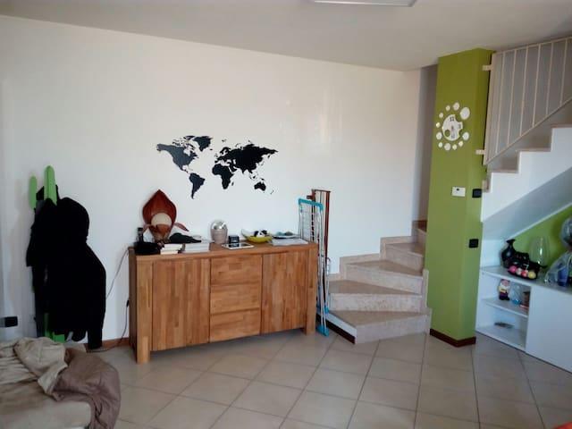 Affitto camera in casa nuova - Spirano - House