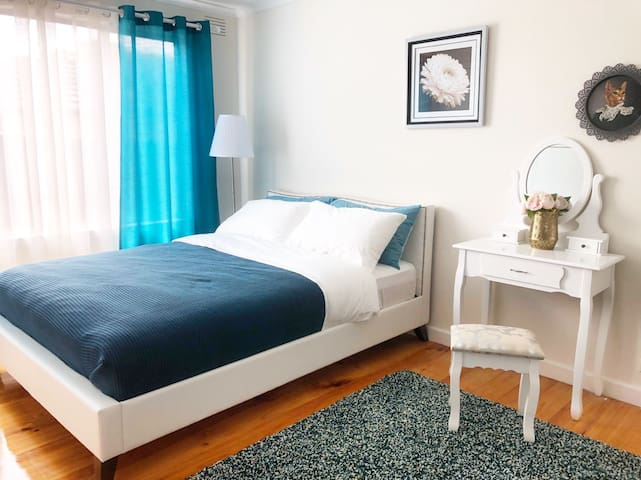 Stylish cozy apartment in Bentleigh East