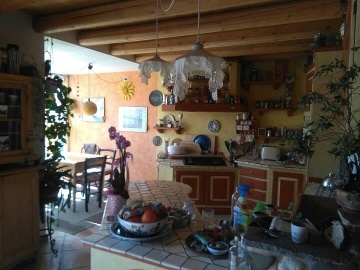 stanza matrimoniale in appartamento originale