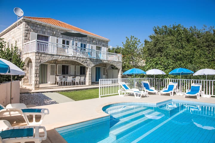 Dubrovnik region apartment****  with pool - no 3