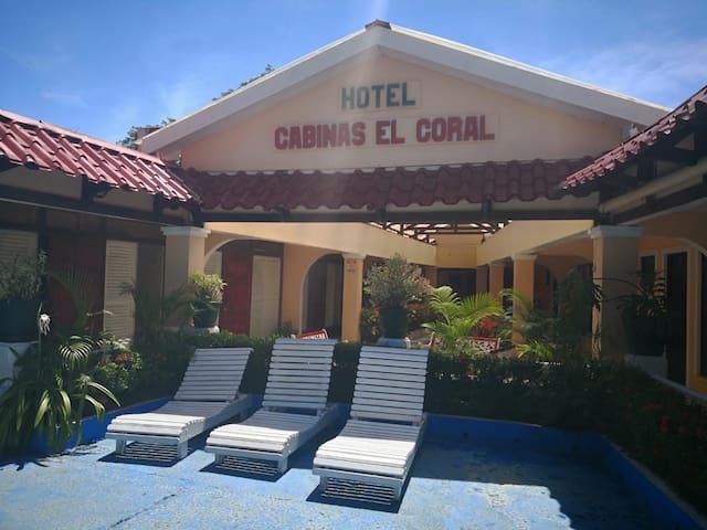 Hotel y Cabinas El Coral, Habitación doble!