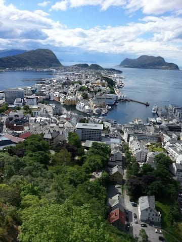 Nice apartment in sentrum of Ålesund - Alesund - Apartamento