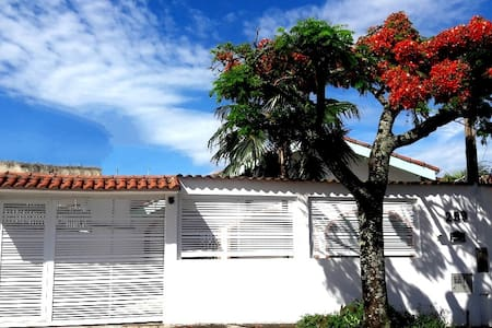 Charmosa Casa-Praia do Satélite 110Km capital/SP