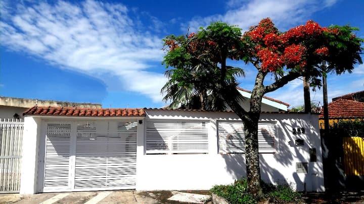 Charmosa Casa Praia&Spa-Satélite 110Km capital/SP