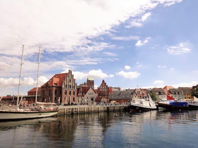 Ferienwohnung am Alten Hafen zwei - Wismar - Wohnung