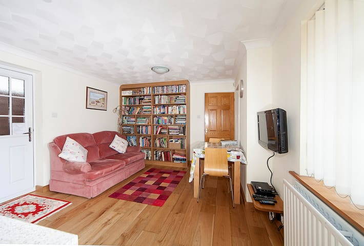 17mins from London, sleep 3, cheap - Istead Rise - Appartement