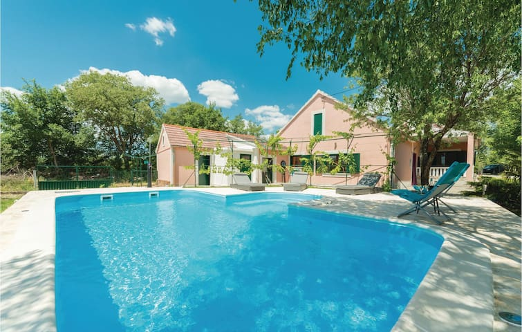 Nice home in Trbounje with WiFi and 3 Bedrooms