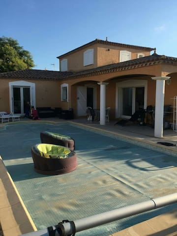 house with swimming pool close to beach center etc - Castelnau-le-Lez - Villa