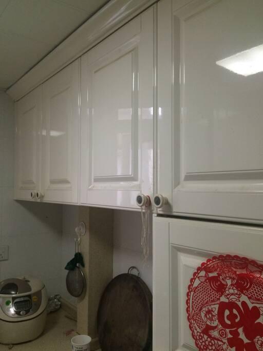 厨房配备高档做饭用具