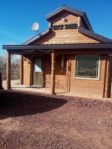 Sunset Cabin on 15 acres near Zions National Park