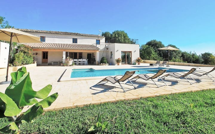 "Villa ""ES COS"" quiet and relaxing holidays"
