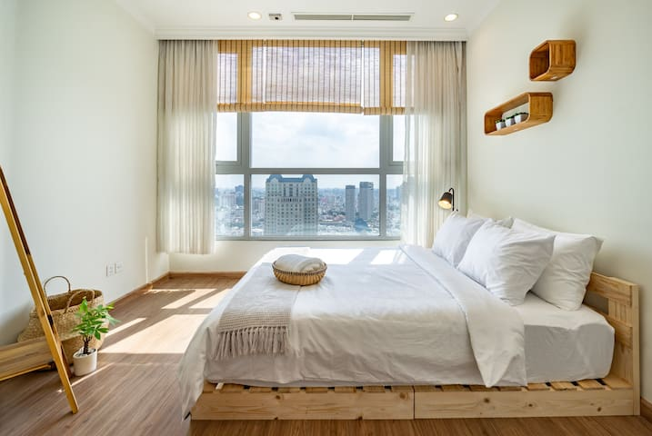 STAY SAIGON- Lovely 1BR Apartment with City View