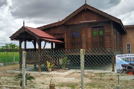 Rumah Kayu Homestay Bujang Kedah