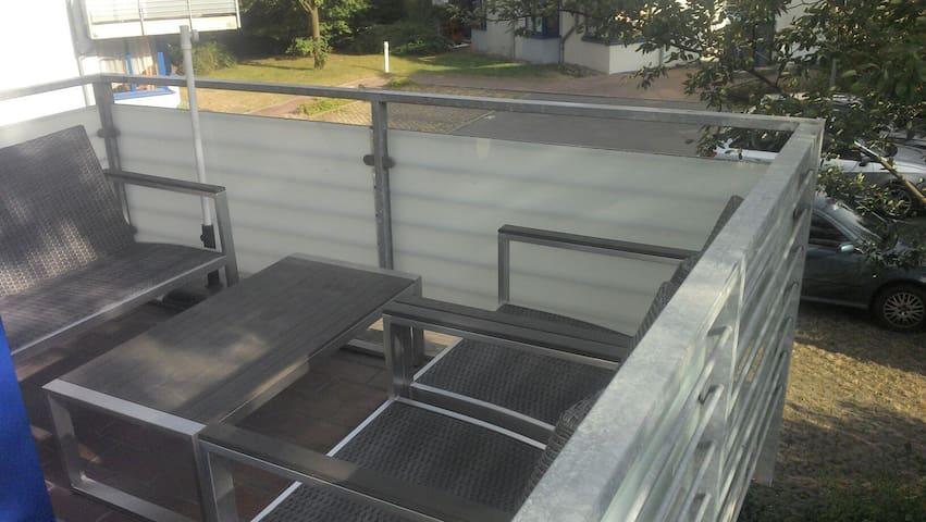 Im Süden wohnen mit zwei Balkonen - Magdeburg, Sachsen-Anhalt, DE - Lägenhet