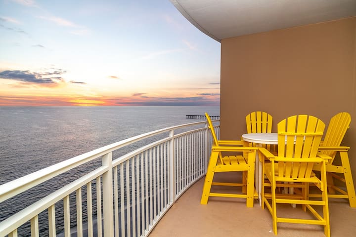 New! Aqua Resort 2 Bed 2 Bath Lux Gulf Front near Pier Park!