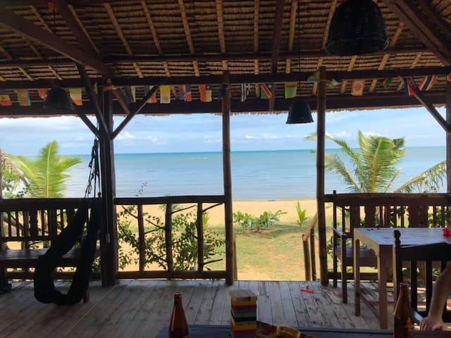 Single bungalow with sea view from room