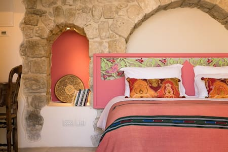The Wy Inn's Suite 'Gevura' - Safed - Bed & Breakfast