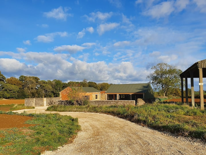 The Pig Shed is a Cosy studio countryside pad