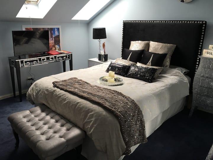 Luxury Queen - 30 sqm of Luxury