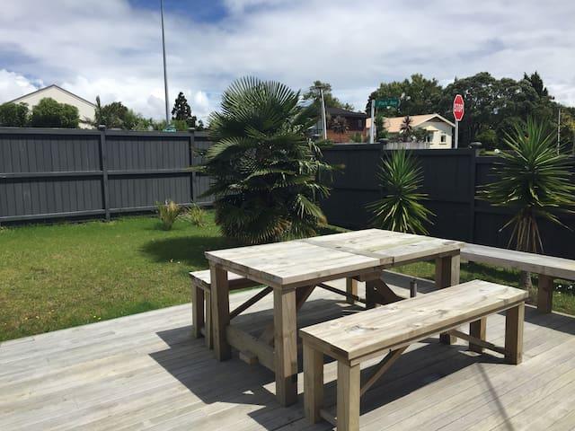 Sunny room in Birkenhead - Auckland - Hus