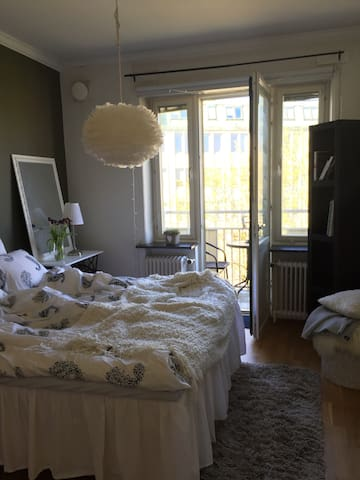 Cozy bedroom in Gothenburg city - Göteborg - Apartment