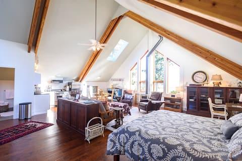 The Gooserosa Bed & Breakfast Farm Stay- The Nest