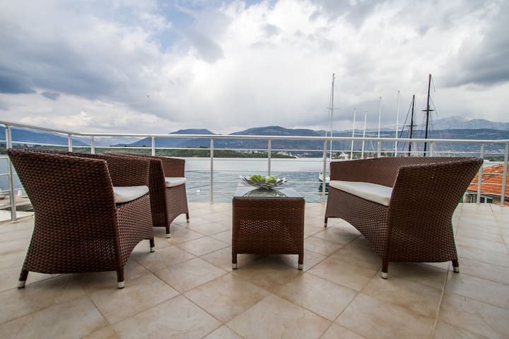 Apartment Tamaris with balcony - Tivat - Apartamento