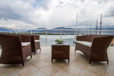 Apartment Tamaris with balcony - 蒂瓦特(Tivat) - 公寓