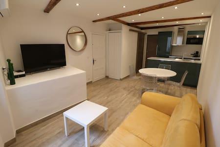 1 bedroom Forville, 4 min Palais,Beach & Croisette