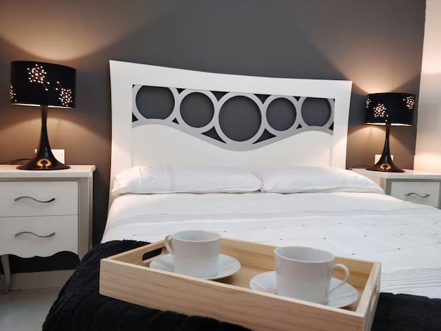 Lujoso apartamento 200m playa -WiFi-Piscina-Garaje