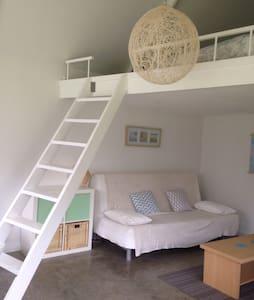 Modern bungalow, beachside Location, Brighton SA - North Brighton - 平房