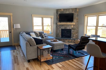 Spacious Family Condo on Sugarloaf Mountain Resort