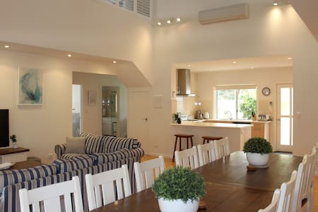 Seaside Garden Cottages: The Villa-up to 12 guests