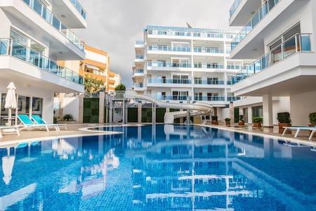 Luxury Apt all incl 5 min walk from the beach - Alanya - Hotellipalvelut tarjoava huoneisto