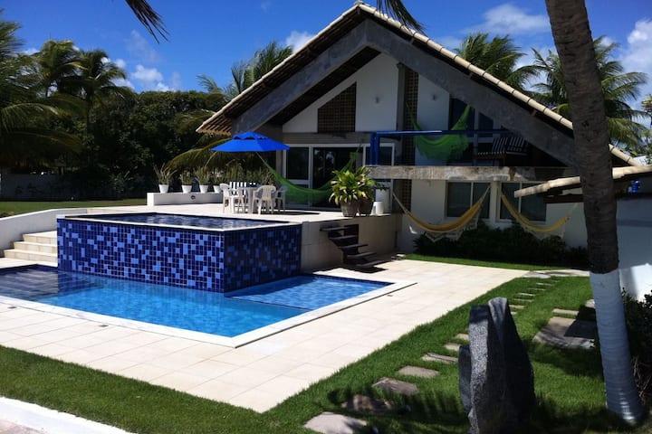 Porto de Galinhas-Serrambi casa beira mar piscina