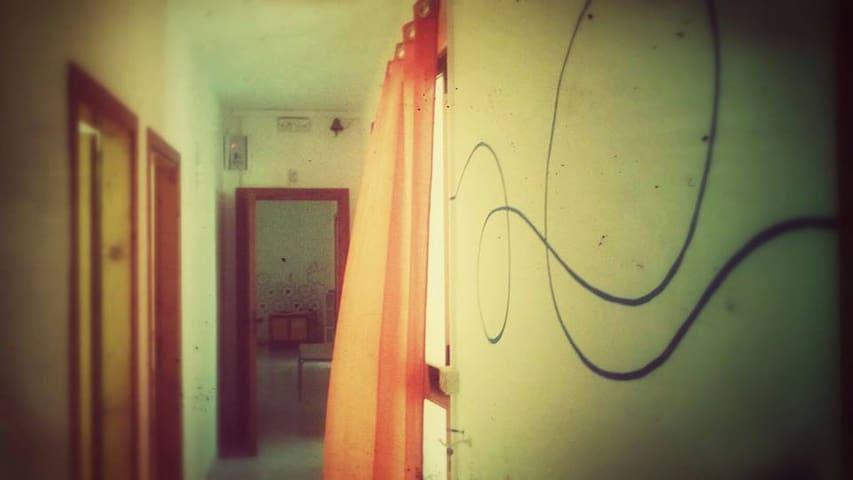 Luna_laboratorio rurale. Posto letto dormitorio #4