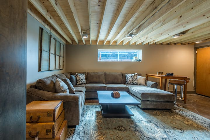 2 urban warehouse loft in deep ellum lofts for rent in dallas